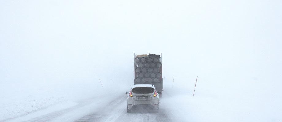 Stormen Cora drar in över Sverige. Klass 2 varning